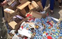 Мэрия Львова требует убрать вывеску на магазине Порошенко