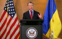 Волкер: Готовы помочь России найти легкий путь для отступления