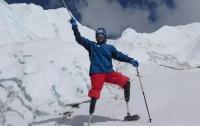 Невероятно, но факт: китайский альпинист без ног впервые покорил Эверест