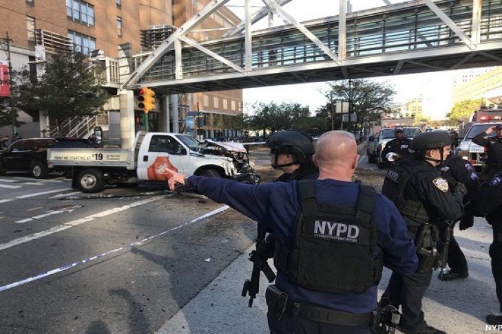 6 человек погибли вНью-Йорке из-за наезда навелосипедистов споследующей стрельбой