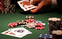 Правоохранители пресекли деятельность подпольного казино на столичной Оболони (видео)