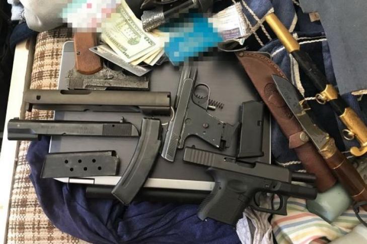 ВКиеве схвачен мужчина, торговавший привезенным изАТО оружием