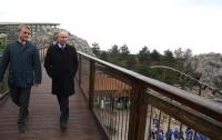 На украинской территории иностранный президент собрал своих приспешников