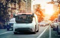 Компания принадлежащая концерну General Motors представила микроавтобус без руля