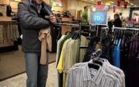 Стоматолог удрал из магазина в трех свитерах