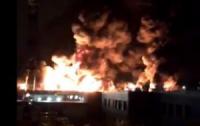 Во Франции случился пожар на опасном предприятии