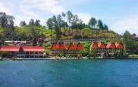 На Суматре затонул паром с 80 людьми на борту