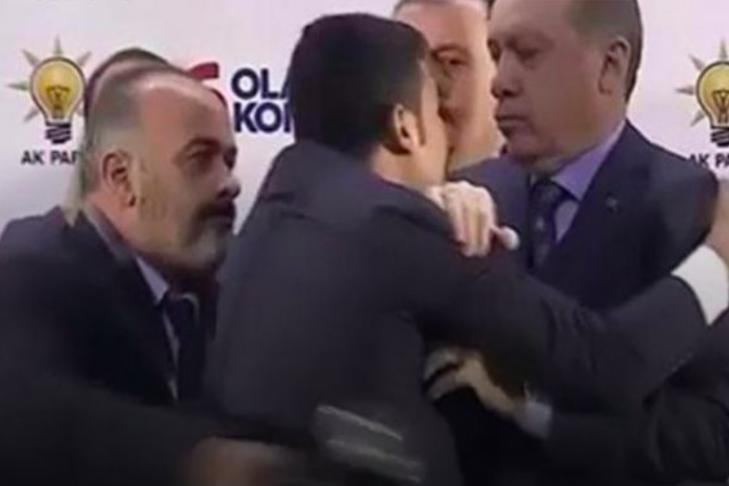 Эрдоган обвинил Асада втерроре натерритории Сирии