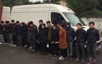 Нелегальный транзит: два десятка вьетнамцев пытались через Украину попасть в ЕС