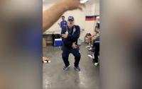 Опубликовано видео зажигательного танца Марадоны после победы своего клуба