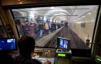 Пьяный машинист метро украл iPhone