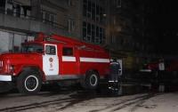 В Киеве горел балкон в многоэтажке, пострадал мужчина
