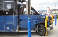 Пациент больницы угнал машину скорой помощи с бригадой врачей внутри