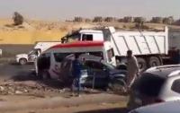 Маршрутка столкнулась с грузовиком в Египте, погибли 15 человек