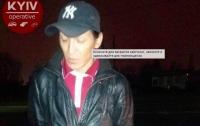 В Киеве таксист принимал за рулем наркотики