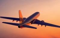 В России прямо в небе загорелся пассажирский самолет (видео)