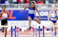 Американка побила мировой рекорд в беге на 400 м с барьерами