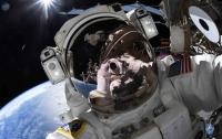 Астронавт NASA зробив вражаюче космічне селфі
