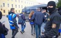 В Минске массово задерживают представителей разных медиа