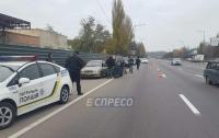 ЧП в Киев: бездыханное тело мужчины нашли в автомобиле