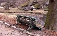 В Умани вандалы устроили погром в парке