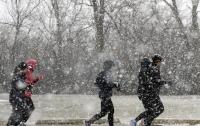 В Чикаго отменили тысячи рейсов из-за снежной бури