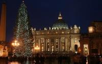 В Ватикане зажгли украинскую елку, подаренную Папе Римскому
