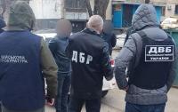 В Харькове при получении крупной взятки задержали оперуполномоченных