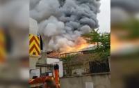Случился пожар уже в Версале (видео)