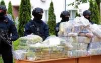 Преступники спрятали наркотики на миллиард долларов в колонках