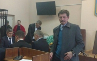 Состояние Насирова позволяет ему участвовать в суде, - сотрудник клиники Стражеско