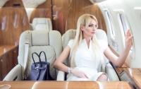 Пассажирка отсудила у стюардессы $100 тысяч за пролитый суп