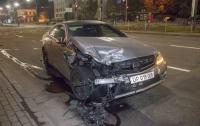 Греческий дипломат попал в ДТП в центре Киева (видео)