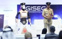 Первый робот-полицейский появился на улицах Дубая