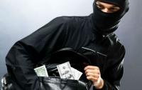 Из гримерки актрисы украли крупную сумму денег