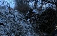 Трагедия на Закарпатье: рейсовый автобус с пассажирами сорвался с 15-метрового обрыва