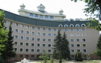Депутатская больница «Феофания» купила мебели на миллион