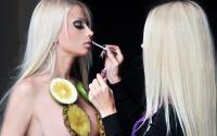 Одесская Барби показала свою кукольную подружку (ФОТО)