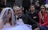 В США более 200 000 детей вступили в брак