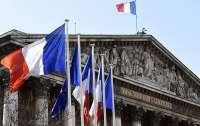 Во Франции вводят комендантский час