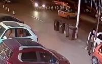 Китаец избежал смерти дважды за считанные мгновения (видео)