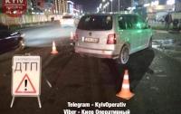 Лобовое столкновение в Киеве: пострадала женщина и двое детей