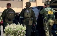 Задержаны три человека по подозрению в подготовке массовых расстрелов в США
