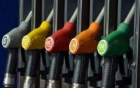 Cети АЗС снова повысили цены на бензин и дизтопливо