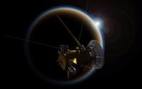 Космический аппарат Cassini направился к Сатурну после заключительного полета мимо Титана