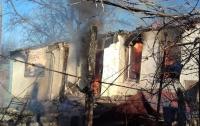Боевики на Донбассе обстреляли мирные населенные пункты