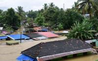 Во время мощного наводнения погибли более 160 человек