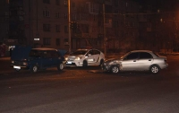 ДТП в Днепре: Автоледи протаранила авто, есть пострадавшие