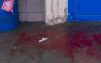 Дебош в супермаркете: пьянчуга угрожал людям ножом и резал вены