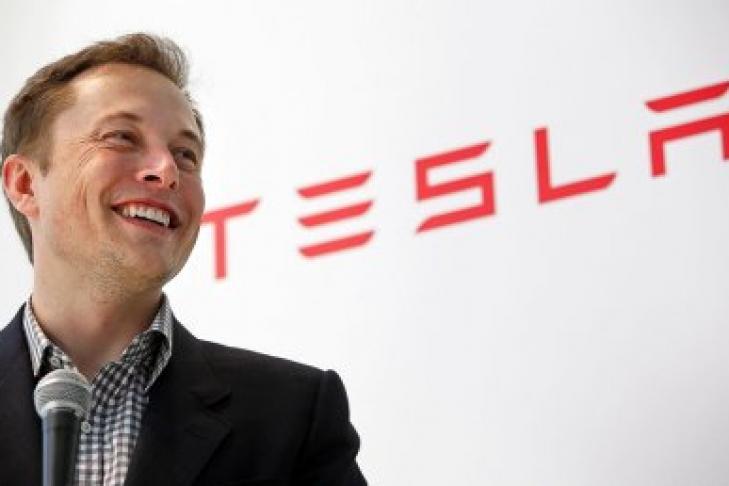 Tesla планирует представить свой 1-ый грузовой автомобиль сэлектрическим мотором